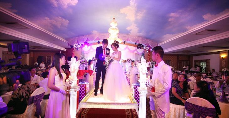 Dịch vụ thuê đám cưới giả